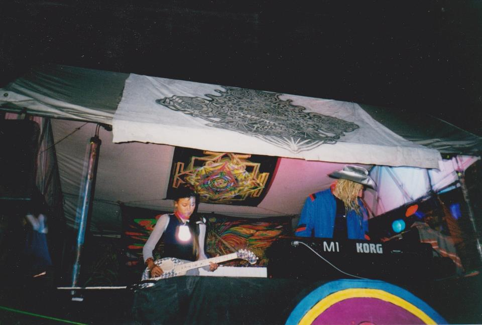 Zen Lemonade first live set at Earthcore & Equinox 2000